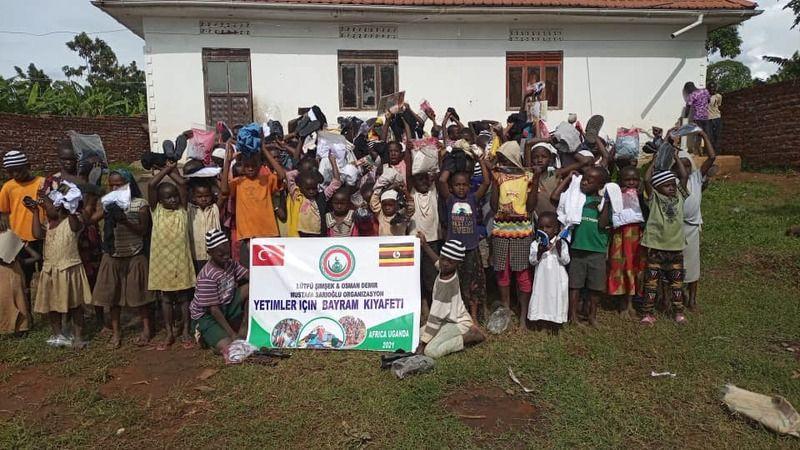 Yerel yardım kuruluşu Lame and Orphan Organization, bölgeye ulaştıdığı yardımları fotoğraf ve videolarla belgeleyip rapor ediyor.